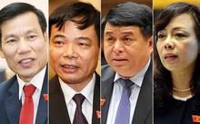 Từ trái qua các bộ trưởng Nguyễn Ngọc Thiện, Nguyễn Xuân Cường, Nguyễn Chí Dũng và Nguyễn Thị Kim Tiến.