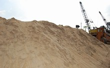Bộ Xây dựng đề xuất nhập khẩu cát từ Campuchia