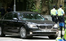 Ông Tập và các quan chức tháp tùng di chuyển trên những chiếc BMW 7 Series khi ở Hong Kong. Ảnh: SCMP.