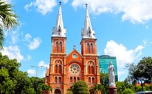 Nhà thờ Đức Bà Sài Gòn được đại trùng tu trong thời gian 2 năm.