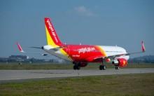 Máy bay Vietjet bay vòng, xả xăng đưa khách đau tim về lại sân bay