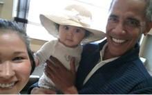 Jolene Jackinsky và con gái chụp ảnh selfie với Obama. Ảnh: Facebook.