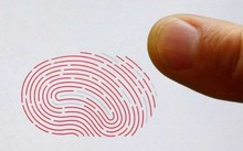 Làm giả dấu vân tay bằng silicon để chiếm đoạt tiền