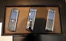 Ba mẫu điện thoại từng được Vertu sản xuất dành riêng cho thị trường Việt Nam với giá khởi điểm là 345 triệu đồng.