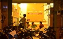 Công an lấy lời khai của những người liên quan tại thẩm mỹ viện Việt Thành trong đêm 19/7