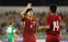 Công Phượng ghi dấu giày lên ba bàn thắng trước khi được thay ra trong hiệp một.