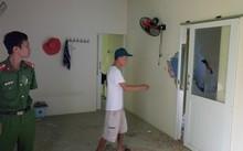 Nhà ông Bình bị phá vỡ tường, mảnh thép xuyên vào phòng ngủ phá vỡ nhiều đồ đạc