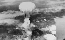 Quả bom nguyên tử phát nổ trên thành phố Nagasaki. Ảnh: Wikipedia.