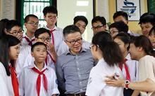 Giáo sư Ngô Bảo Châu khuyên học trò điều gì khi về thăm trường cũ?