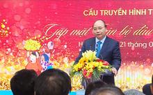Thủ tướng thăm các ngân hàng đầu Xuân 2018