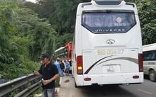 Xe 45 chỗ mất phanh trên đèo Bảo Lộc đâm vào đuôi xe khách