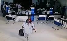 Tin mới vụ mang súng cướp ngân hàng ở Vĩnh Long