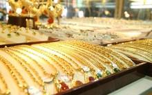 Giá vàng 5/10: Vàng giảm giá khiến nhà đầu tư tăng sức mua