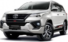 Suzuki và Mitsubishi đồng loạt giảm giá, Toyota trình làng mẫu Fortuner mới