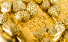 Giá vàng 10/10: Mặc cho dự đoán bi quan, giá vàng tăng trở lại