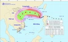 Bão số 11 đổi hướng, tâm bão quét qua tỉnh Quảng Bình