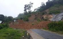 Sạt lở núi làm nhiều người chết và mất tích. Ảnh: sạt lở ở địa bàn xã Phước Thành, huyện Phước Sơn khiến một nhà dân và một trường học bị vùi lấp. Ảnh: Báo Quảng Nam