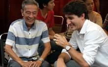 Những phút giản dị của Thủ tướng Canada tại Việt Nam. Ảnh: Vietnamnet