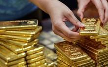Giá vàng ngày 19/4: Trở lại đà tăng do đồng USD suy yếu