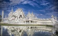 Khám phá ngôi đền trắng kỳ dị ở Thái Lan