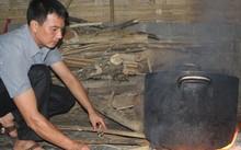 Nhiều năm qua, các thầy giáo Trường Phổ thông dân tộc bán trú THCS Trung Thượng thức khuya, dậy sớm để lo bữa sáng cho học sinh
