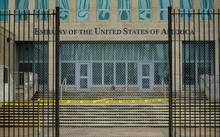Sau vụ 'bệnh lạ ở Havana', Mỹ cắt giảm nhân viên ngoại giao tại Cuba