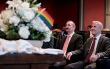 Cặp vợ chồng đồng tính đầu tiên kết hôn hợp pháp tại Đức
