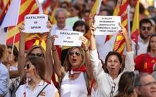 Barcelona: Hằng trăm ngàn người biểu tình phản đối Catalan độc lập