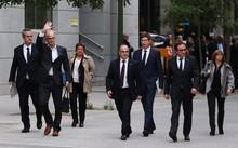 Tám cựu thành viên của chính quyền Catalonia bị bắt giữ