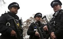 London: Bắt giữ bé gái 14 tuổi vì nghi ngờ có hành vi khủng bố
