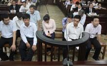 Nhiều câu hỏi chủ tọa phiên tòa nêu ra rơi vào im lặng.