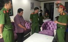 Đỗ Thái Vũ, Giám đốc Ngân hàng TMCP Bưu điện Liên việt chi nhánh Đắk Lắk nghe CQĐT đọc các quyết định khởi tố bị can, bắt tạm giam.