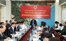 Thủ tướng Nguyễn Xuân Phúc yêu cầu hỗ trợ khẩn cấp cho người dân vùng lũ