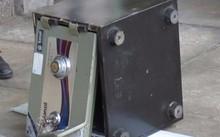 Gần nửa tỷ đồng trong két sắt UBND xã bị lấy cắp.