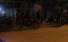 Lực lượng công an đang tiến hành phong tỏa hiện trường để điều tra.