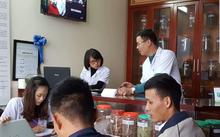 Hình ảnh khám xét, tư vấn tại Phòng khám Đông y gia truyền Phúc Minh Đường