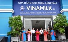 """Vinamilk khai trương điểm bán hàng """"Tự hào hàng Việt Nam"""" tại Nghệ An"""