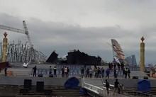Vĩnh Phúc bác tin sập sân khấu nổi ở quảng trường