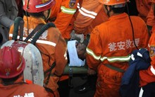 Nhà máy lọc dầu nổ lớn 4 người bị thương, 2 người mất tích