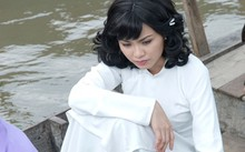 Diễm Hương thản nhiên đi đóng phim giữa bão scandal