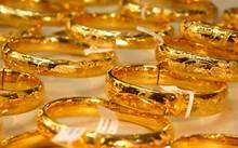 Giá vàng hôm nay 17/10: Giá vàng SJC cao hơn thế giới 4,14 triệu đồng/ lượng
