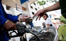 Giá xăng tiếp tục giảm 320 đồng/ lít từ 13h chiều nay 6/12