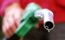 Giá dầu tiếp tục giảm mạnh, còn hơn 60 đô la Mỹ/thùng