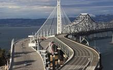 Mỹ khốn đốn vì thuê công ty Trung Quốc xây cầu