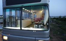 Mãn nhãn với xe bus bỏ hoang biến thành ngôi nhà sang trọng