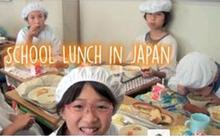 Giờ ăn trưa tại trường tiểu học Nhật khiến thế giới sững sờ