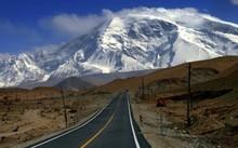 """6 tuyến đường """"đẹp mê hồn"""" nổi tiếng trên thế giới"""