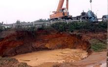 Đường ống nước sông Đà lại vỡ lần thứ 8