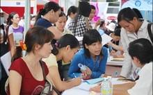 """72.000 cử nhân thất nghiệp """"quây"""" Bộ trưởng GD-ĐT Phạm Vũ Luận"""
