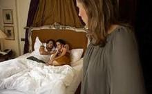 Chồng thuê cave dạy 'yêu', vợ phát bệnh tâm thần